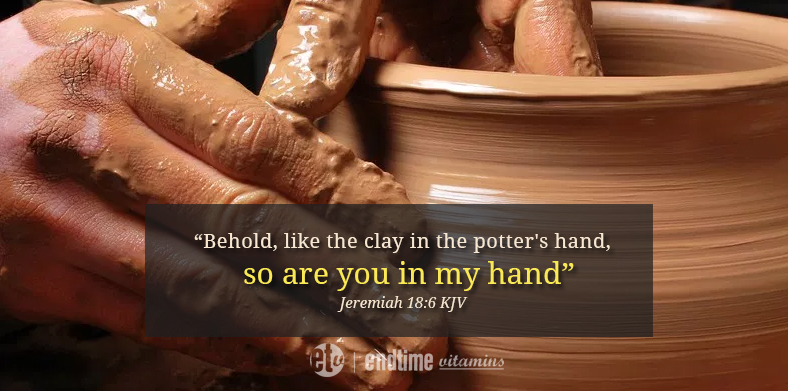 clay in the potter hand